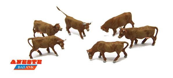 Cinnamon cows